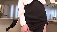 Hitomi Oki looks eager to palce this dick up her hairy twat - From JAVz.se