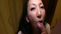 Pretty Japanese Mature&#039_s Cunt Creampied