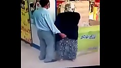 saudi couple trying to sex in super market watch uncut t.co/3sFbZAFfgL
